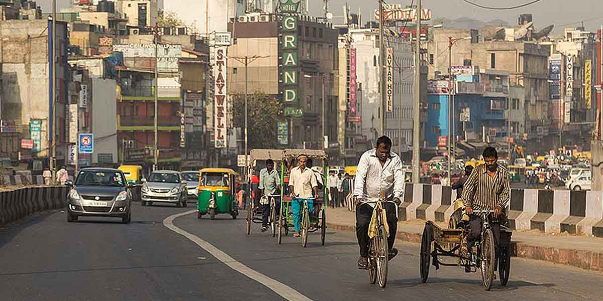 City Development Strategy   Best Practice   Mumbai, India   Urban renewal, Economic growth, Poverty reduction, Public private partnerships, Infrastructure improvement & service delivery   mikecphoto/Shutterstock